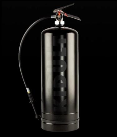 2018年6月20日(水) KIDULT(キダルト)消火器スプレー缶 発売決定!シュプリーム、ルイ・ヴィトンも襲われた!